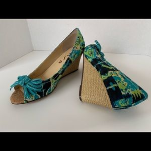 Unisa Peep Toe Wedge, size 8M